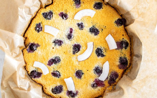 Coconut and Blueberries Cake