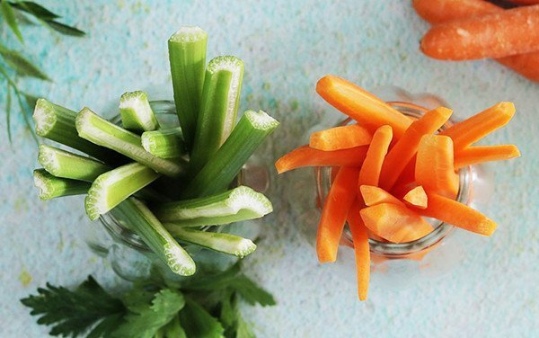Mix Celery and Carrot Sticks