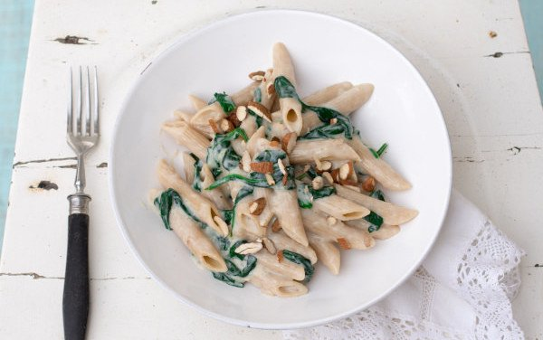 Pasta with Spinach and Almond Bechamel