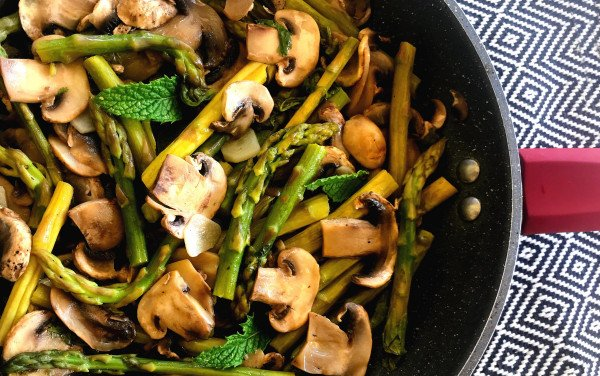 Bulhão Pato Mushrooms and Asparagus