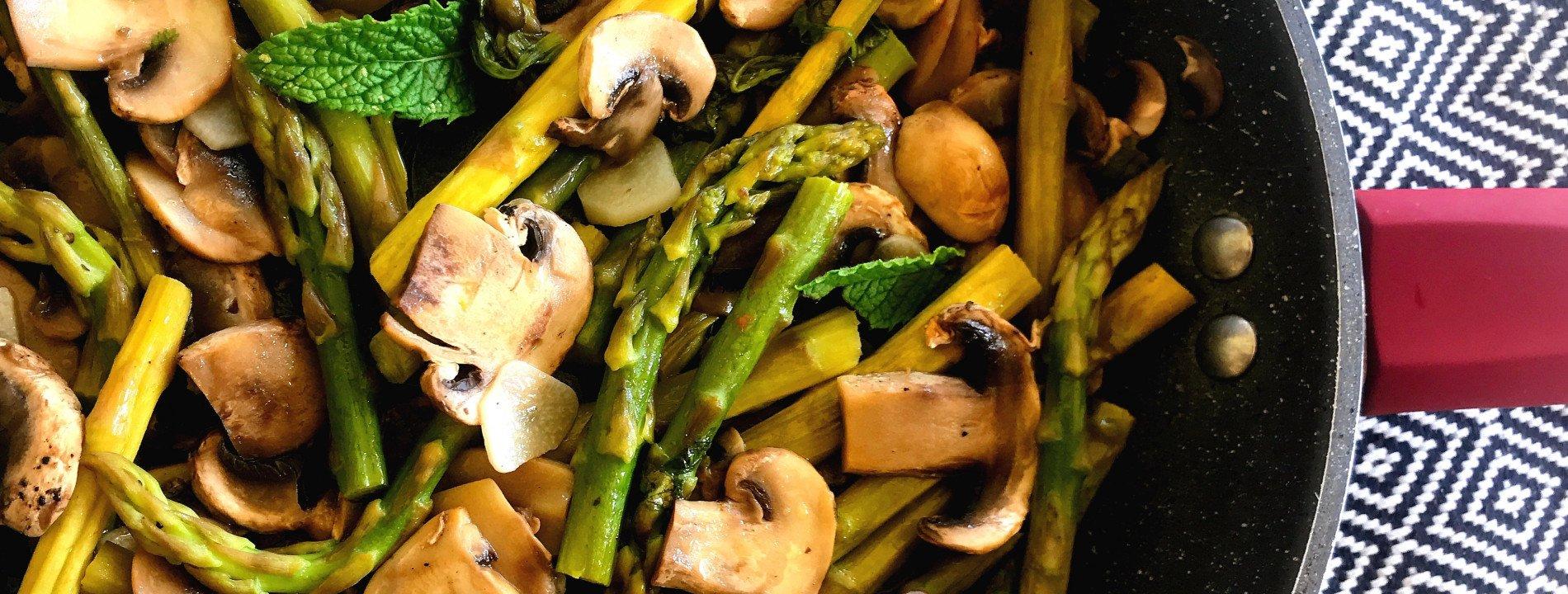 Cogumelos e Espargos à Bulhão Pato